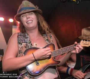 Sunnie Rae (ukulele, guitar, vocals)